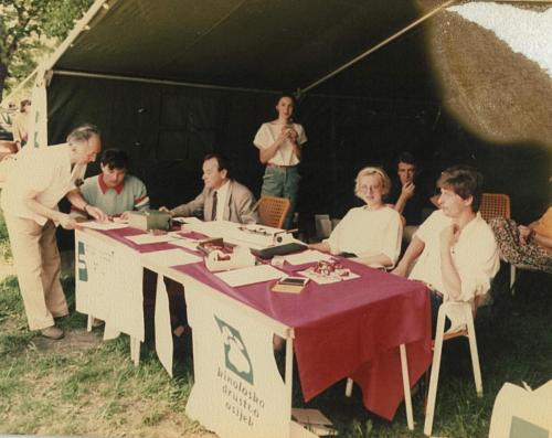 CAC 1985.